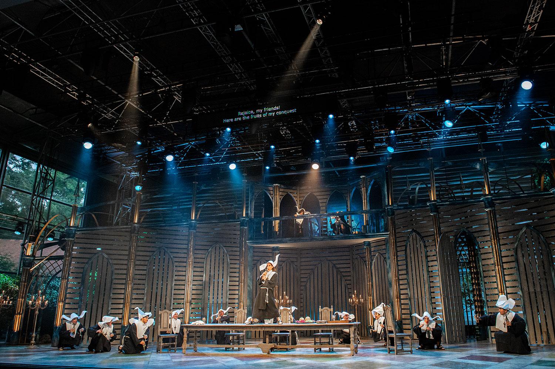 Le Comte Ory | Performance Designs | takis